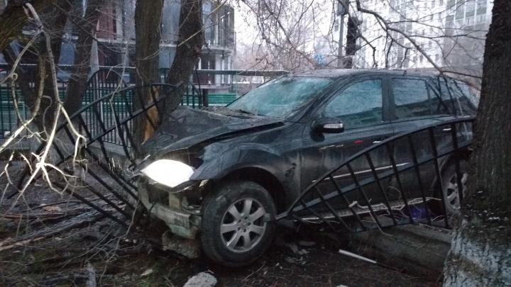 Молодой тюменец пьяным сел за руль отцовского внедорожника и устроил смертельное ДТП в центре