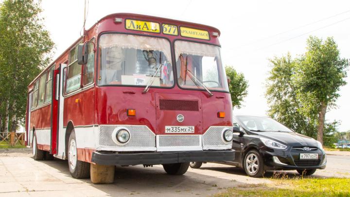 «Это автобус моего детства»: как семья из Архангельска открыла бизнес в старом ЛиАЗе