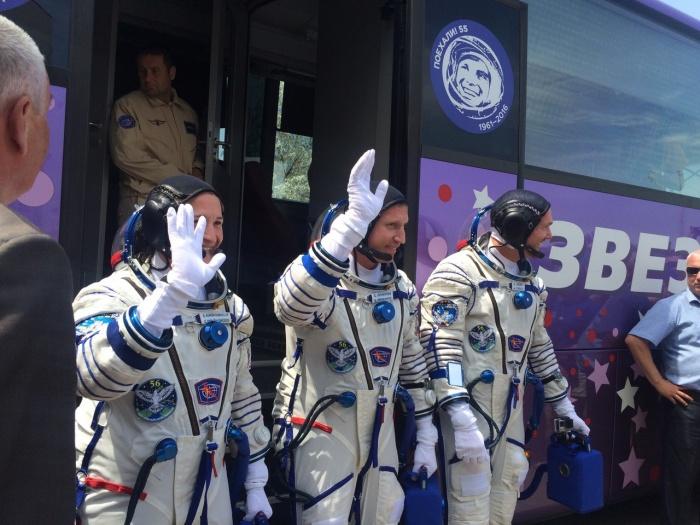 Сергей и его экипаж на Байконуре перед стартом