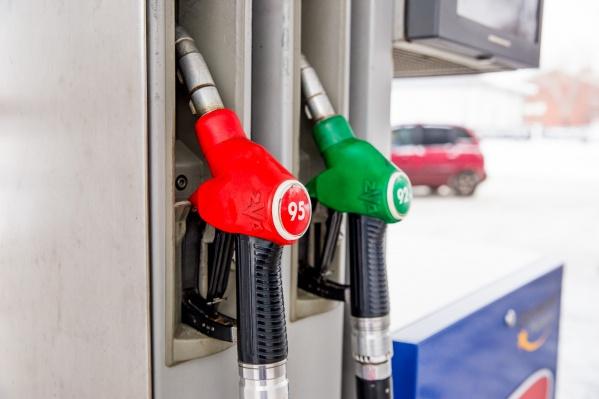 До конца апреля сеть АЗС «Анита» подарит автолюбителям 4 000 литров топлива
