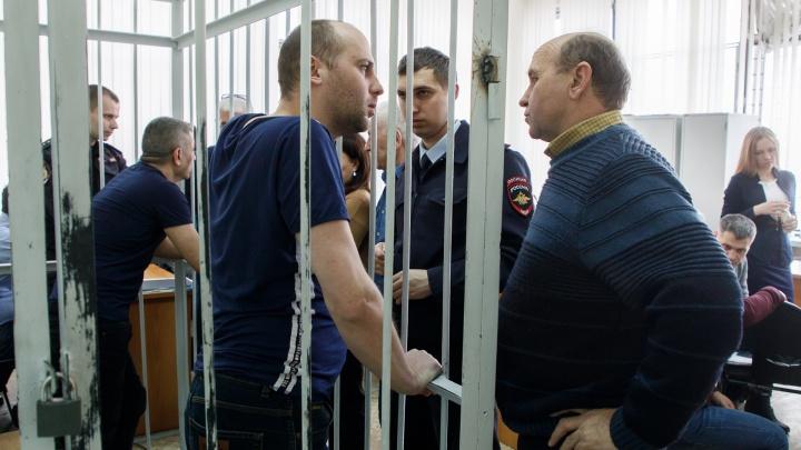 «Одного откопали, другого достать не смогли»: в Волгограде идет суд по делу о взрыве в жилом доме