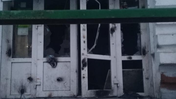 Жителей Черниковки пугает здание, в котором когда-то был продуктовый магазин