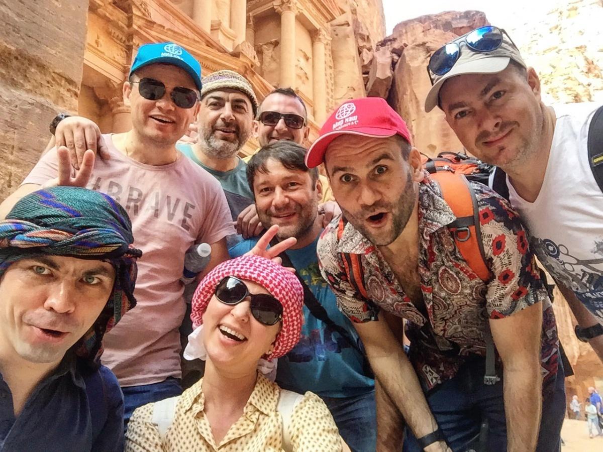 Участники кругосветки «Мир наш» в Иордании