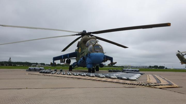 На новосибирскую авиабазу прилетели три новых вертолёта «Крокодил»