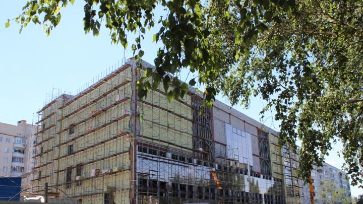 «Что здесь строят?»: на Заозёрной откроют кинотеатр с шестью залами и канадским оборудованием