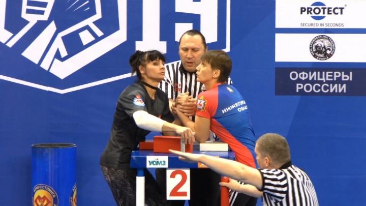 Пермячка Елизавета Половникова взяла золото на чемпионате России по армрестлингу