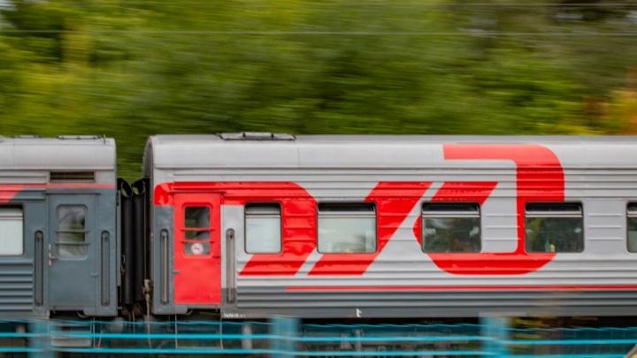 В Новочеркасске поезд насмерть сбил военнослужащего