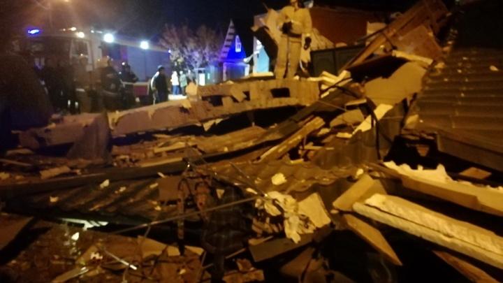 Плиты разбросало по всей улице: в Самаре в трехэтажном доме взорвался газ
