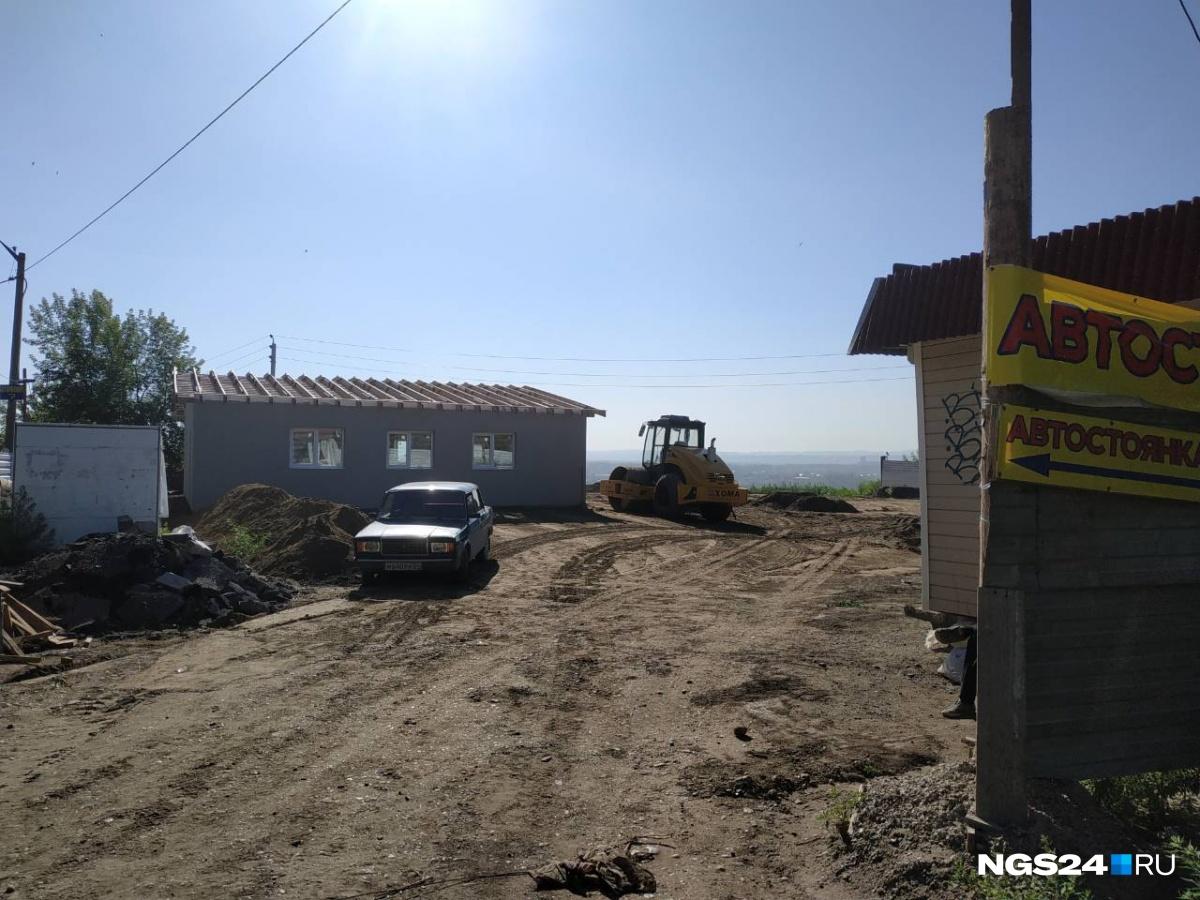 ВКрасноярске из-за вероятностного обрушения эвакуировали дом. cотрудники экстренных служб рассказали, что случилось