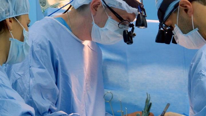 В Екатеринбурге врачи провели операцию на сердце ребенка через 12 часов после его рождения