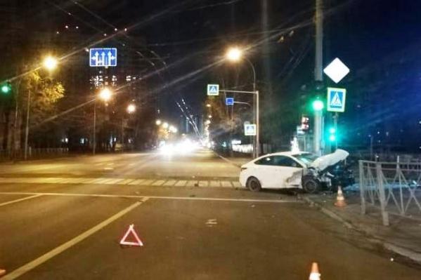 Очевидец утверждает, что к моменту приезда автоинспекторов водитель седана был без сознания