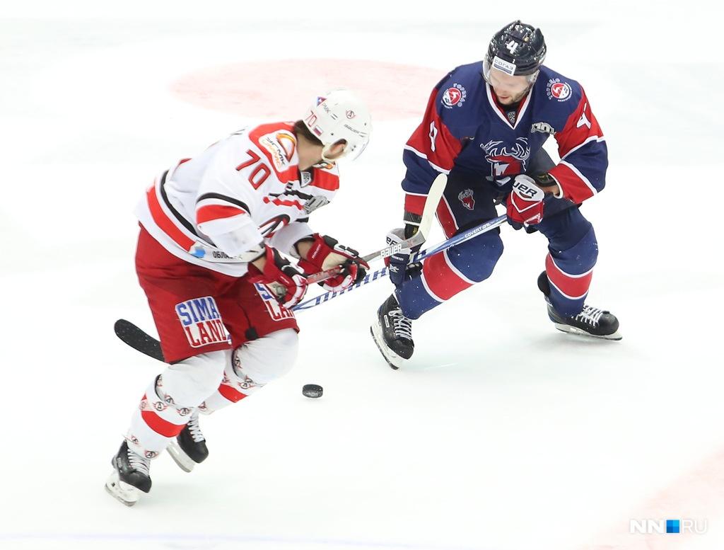 «Автомобилист» на собственном льду обыграл «Торпедо» вматче стабильного чемпионата КХЛ