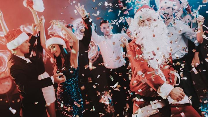 Куда тюменские компании пойдут отмечать Новый год. И сколько денег за это заплатят