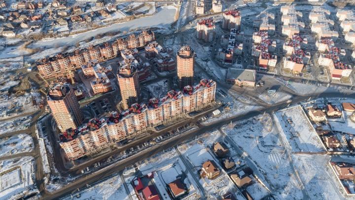 «Микрорайон, в котором хочется жить»: фотопрогулка по одному из самых уютных кварталов Волгограда