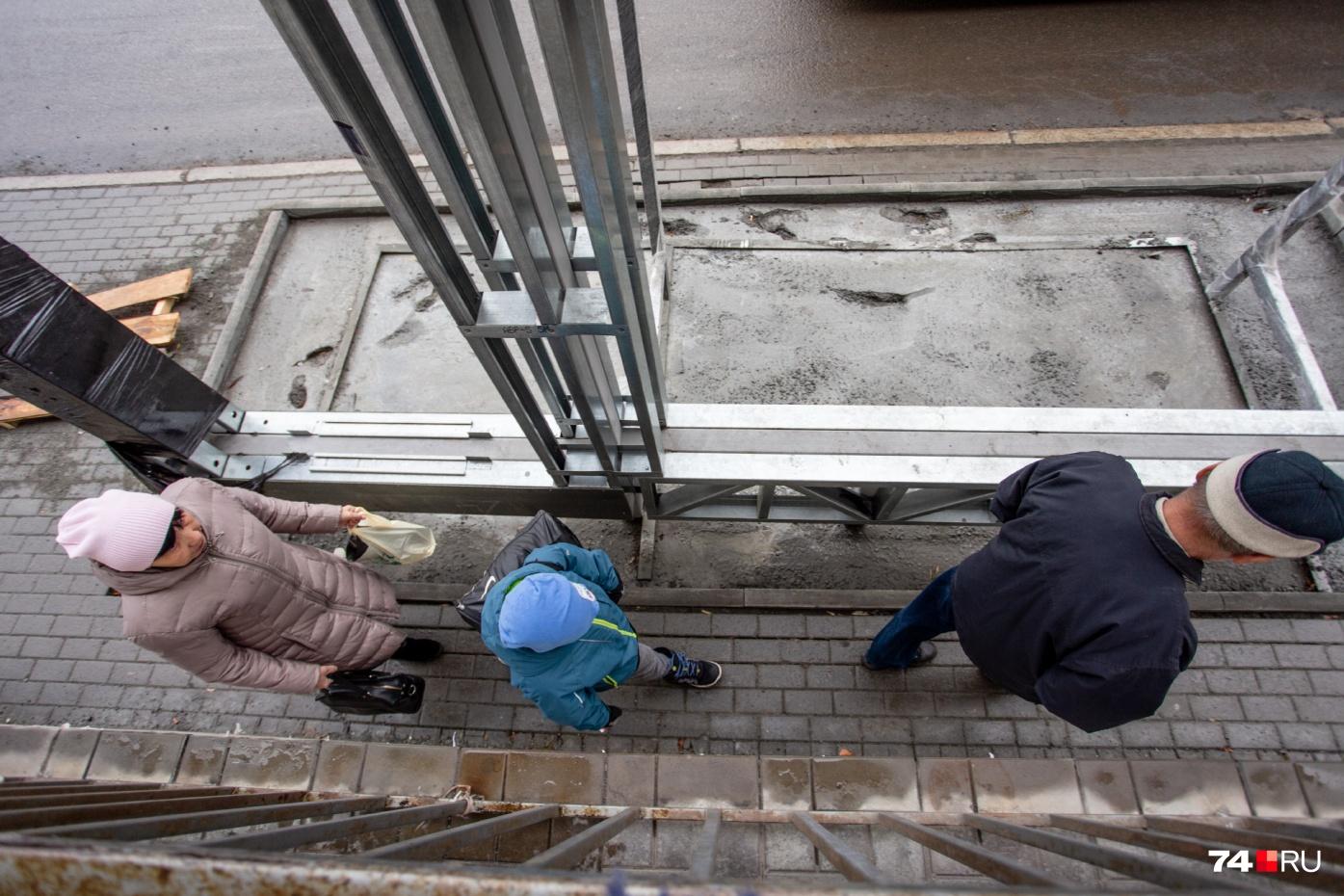Новые остановки оказались «узкими местами» сразу для двух чиновников