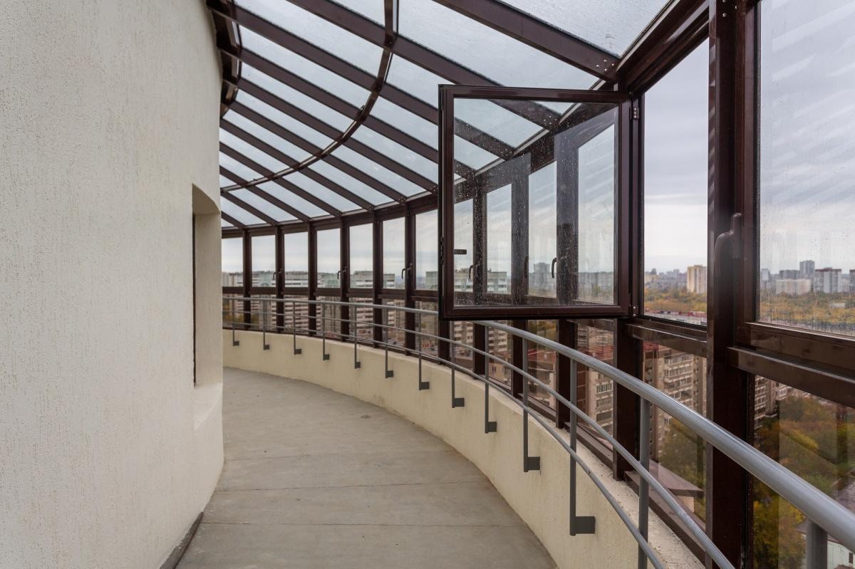 Зенитные окна расширяют обзор таких квартир, так что виды здесь действительно потрясающие