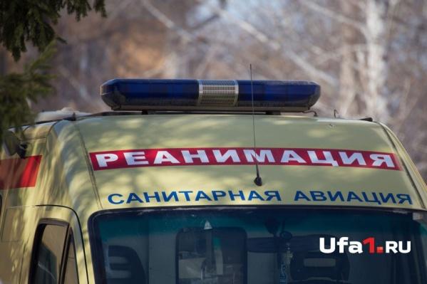 Сотрудника гипермаркета на машине скорой доставили в больницу, но спасти так и не смогли