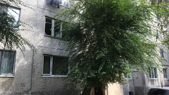 Разбила окна, пыталась выпрыгнуть: что произошло на 30 лет Победы, где устроила переполох тюменка