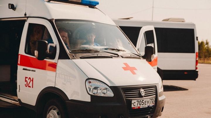 Водитель мог уснуть за рулем: два человека погибли в утреннем ДТП на трассе Тюмень — Ханты-Мансийск