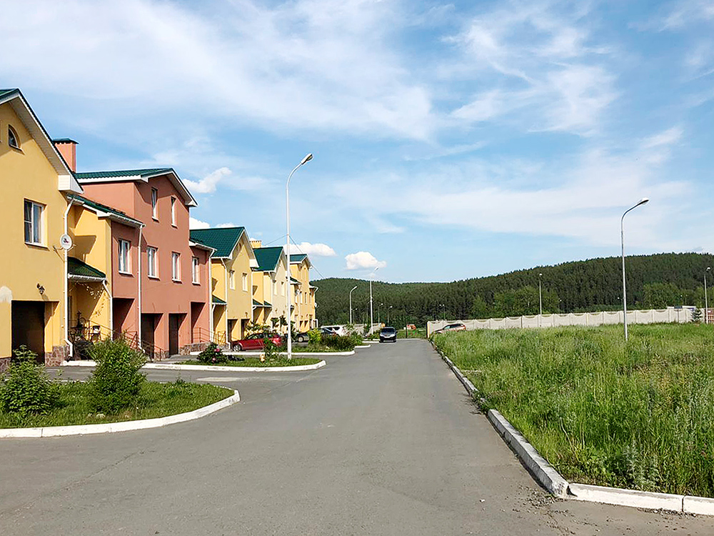 Вид на ул. Самоцветную в КП «Николин ключ»