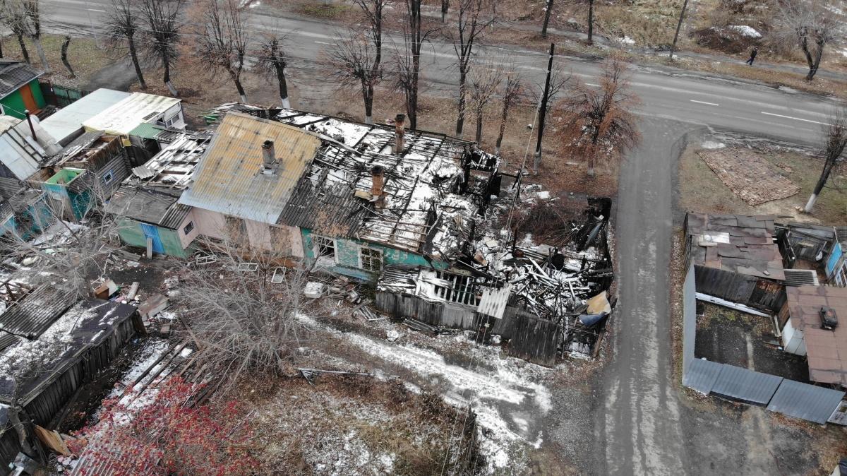 Этот район идет под снос, но жильцы опасаются, что сгорят быстрее, чем их переселят