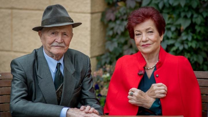«Расстанетесь — забудется»: правила жизни пары, которая вместе уже 66 лет и всё еще держится за руки
