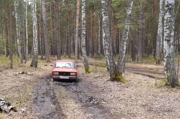 Девушка села в эту машину