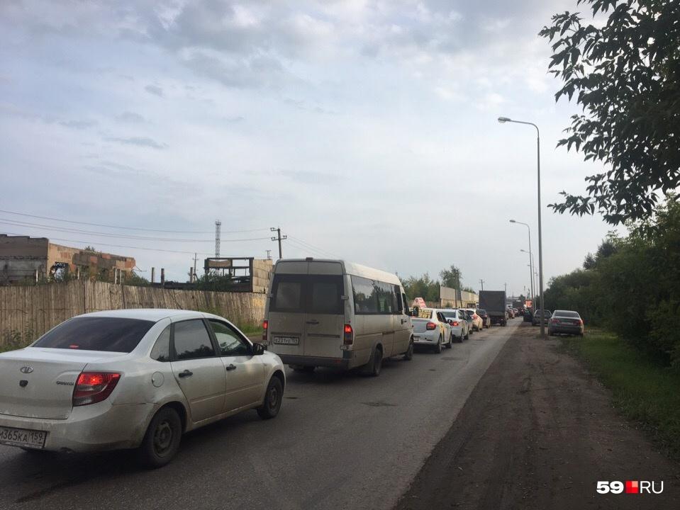 Пробки по пути на Гайву