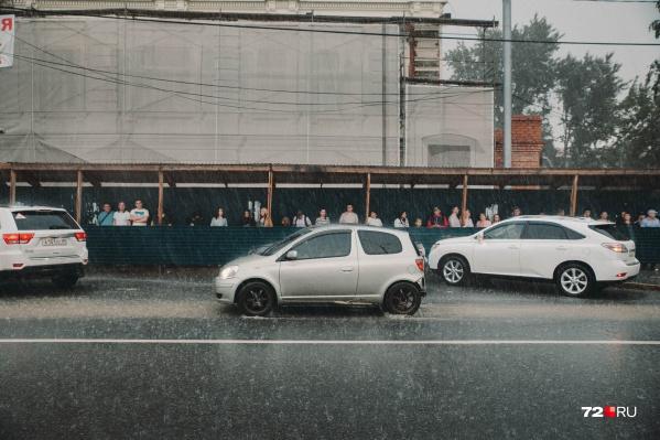 Интересно, в этот раз сильный ливень тоже станет причиной потопа в Тюмени?