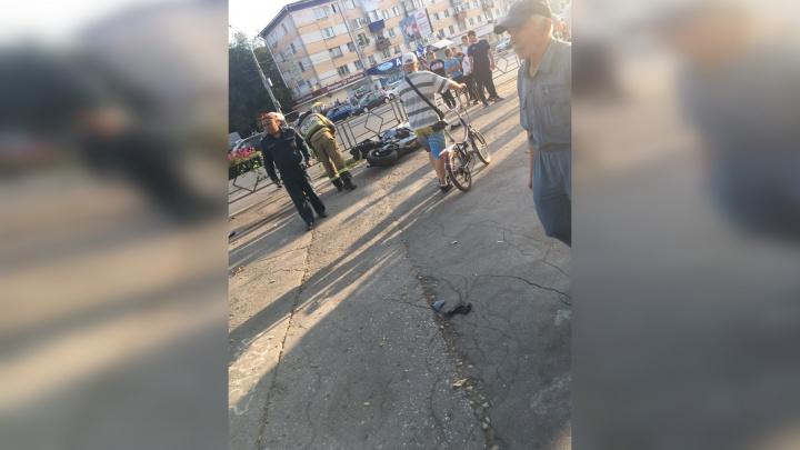 «Байк отбросило на тротуар»: в Самаре на Гагарина мотоциклист столкнулся с «Тойотой»