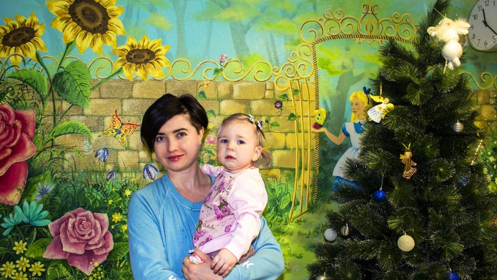 Новосибирские врачи вытащили разрушительную опухоль из виска маленькой Евы