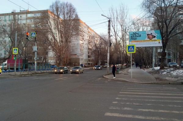 По задумке властей, перекресток должен стать менее проблемным