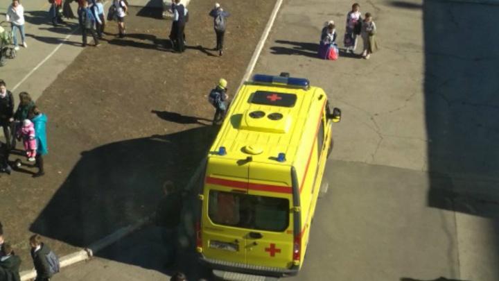 «Боялся, что накажут за вейп»: шестиклассник прыгнул с третьего этажа школы в Челябинской области