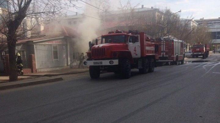 В Уфе из объятого дымом дома вынесли лежачего инвалида