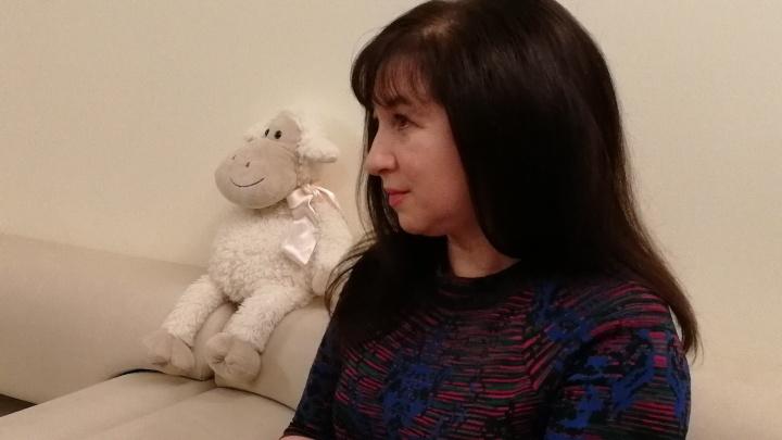 В Омске начался судебный процесс над Нателой Полежаевой — её обвиняют в невыплате зарплаты