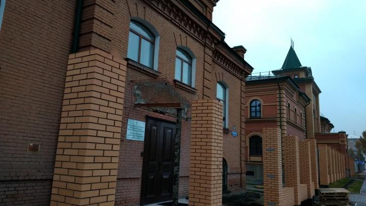 Минкульт обязал омскую епархию восстановить снесённое столетнее крыльцо у Ольгинского приюта