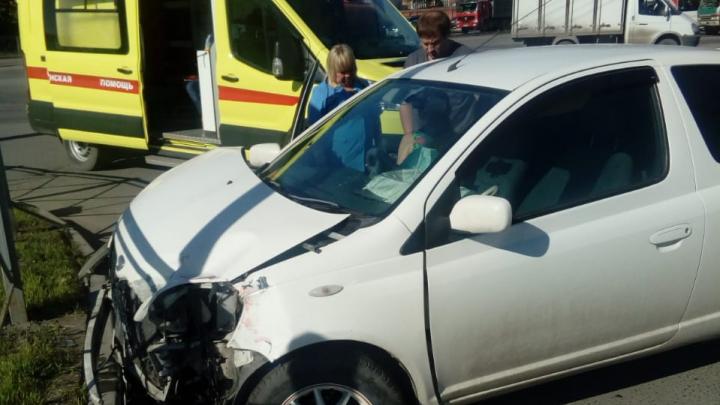 На Ватутина столкнулись две «Тойоты»: на месте работает скорая
