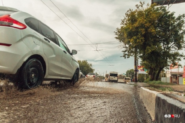 Автомобилистам пришлось несладко после дождя