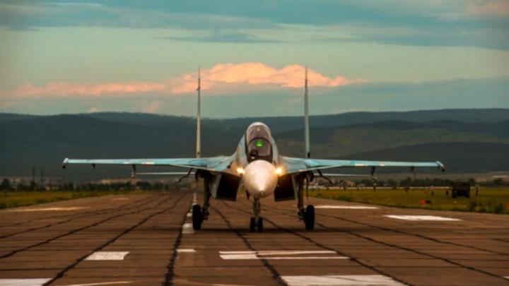 Из-за плохой погоды военные истребители Су-30СМ экстренно приземлились в Перми