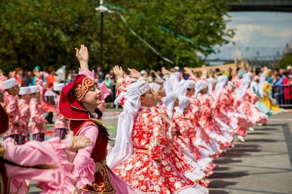 В программе Сабантуя— танцы, песни и национальная борьба
