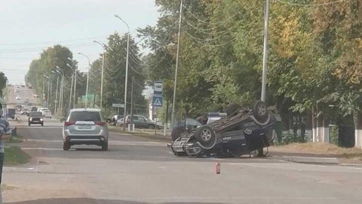 ДТП с кульбитом: в Башкирии иномарка опрокинулась на крышу