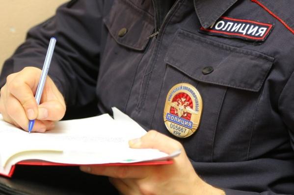 Офицер требовал взятки, в противном случае угрожал многочисленными проверками