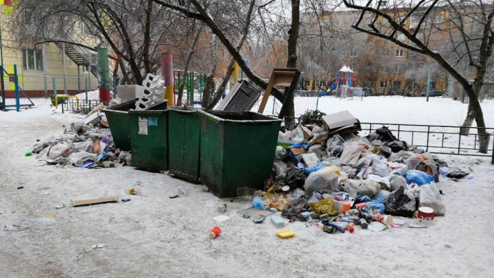 Кто завалил город мусором. Как депутаты 2 часа искали виновников коллапса
