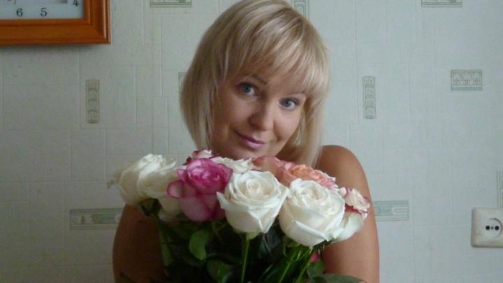 «Люди до сих пор несут цветы»: в Ярославской области будут судить виновных в смерти воспитательницы