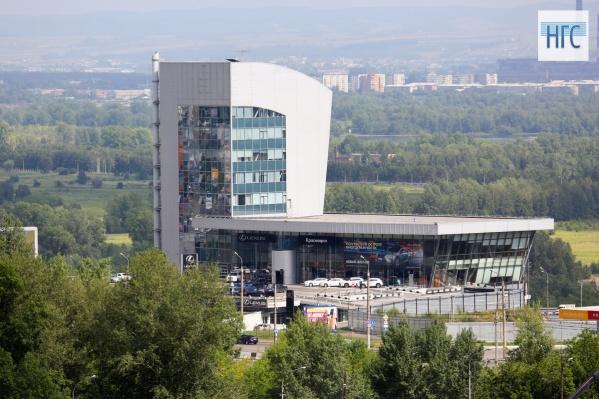 В Красноярске больше нет официального дилера «Лексус» и «Тойота»