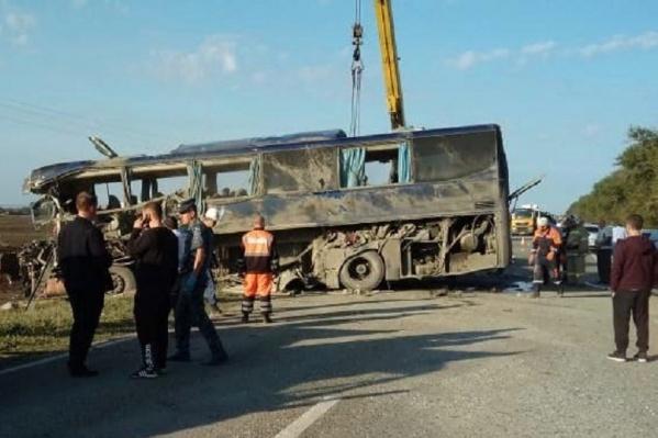 Полицейские подозревают, что водитель грузовика выехал на встречку