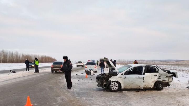 Смертельная авария на трассе в Башкирии: лоб в лоб столкнулись две иномарки