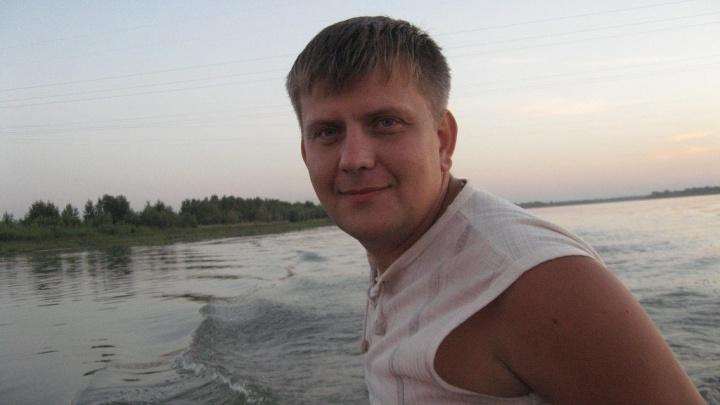 В марьяновском озере нашли тело водителя омской скорой помощи. Он пропал в октябре