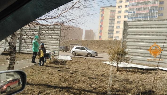 Шквалистый ветер придет в Красноярск к субботе. Спасатели просят не играть с огнем