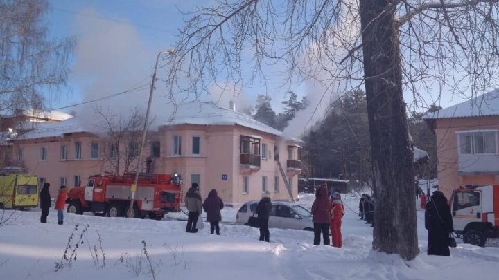 Две женщины погибли на пожаре в двухэтажном доме на Первомайке